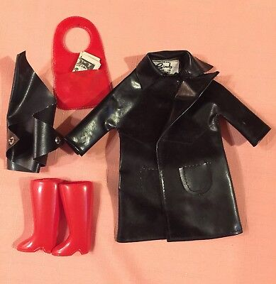 1960s Original Pedigree Sindy Doll Outfit Shopping In The Rain