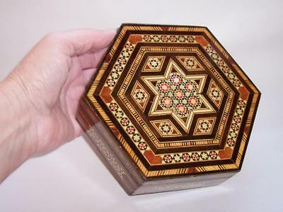 Vintage LARGE WOODEN JEWELLERY/Trinket BOX Inlaid Wood To Lid