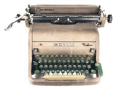 1950's Vintage Royal Quiet Deluxe Portable Manual Typewriter w/Green Keys