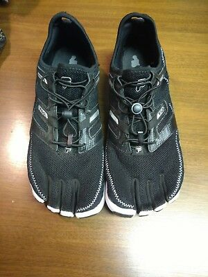 4d555629c8 Fila Skele-Toes Voltage Black/White Boys Running Water Shoes Size 4.5 New in