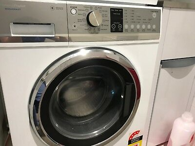 Almost new Fisher & Paykel WH8560P2 7.5kg Front Load Washer