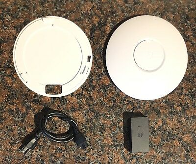 Ubiquiti UniFi AP Long Range (UniFi AP) with Mounting Plate and PoE Injector
