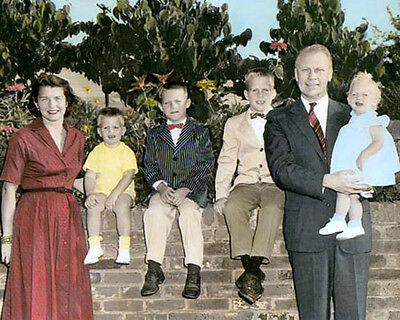 """GERALD FORD & FAMILY 38TH U.S. PRESIDENT 1958 8x10"""" HAND COLOR TINTED PHOTO"""