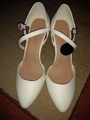 *Size 8 Wide Fit White Heels*