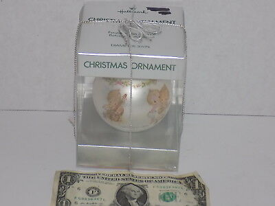 Vintage 1974 Hallmark Caroling Trio Betsey Clark Glass Christmas Ornament New