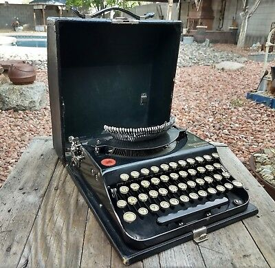 Vintage Working Remington Portable Typewriter Model 1?? With Case
