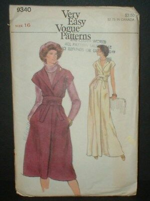 — Vogue # 9340 -  Dress/ Gown   Vtg Vogue Pattern 1970's  SIZE *16*