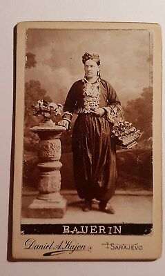 photo ancienne CDV FEMME EN COSTUME FOLKLORIQUE - Sarajevo  photo Kajon
