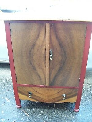 ~~~ Antique Solid Timber Cabinet/Cupboard ~~~