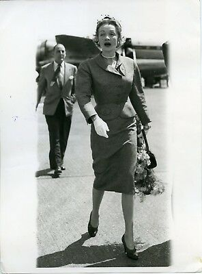 Marlene Dietrich original photo of her arriving in London from 1954