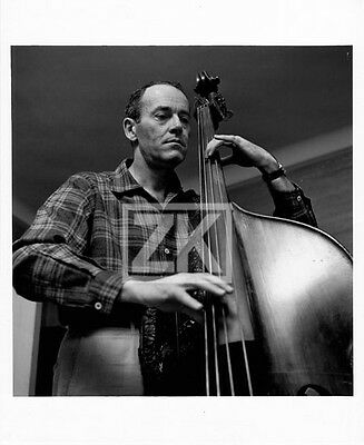 HENRY FONDA Musicien CONTRE-BASSE Home Candid Photo 50s