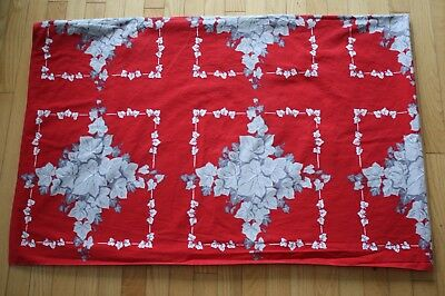 """Vtg Calaprint Cotton Tablecloth Ivy/leaves On Red 82""""l"""