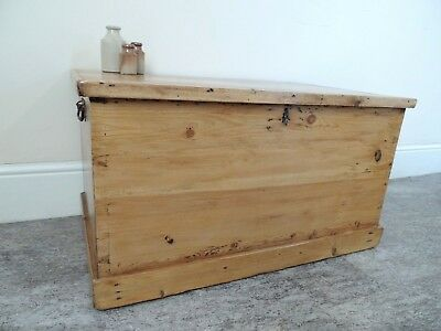 Lovely Antique-Solid-Pine-Victorian-Chest-Blanket Box / Coffee Table