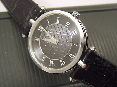 82f6bce7942 MENS GUCCI WATCH   BOX 2000 M BLACK PATTERNED DIAL NEW GUCCI STRAP stunning