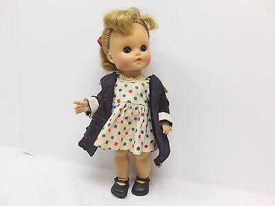 """Suzy Walker Doll ~ W.t. Grant Co.cass Toy  Metal Trunk Lot Of Clothes  10"""" Doll"""