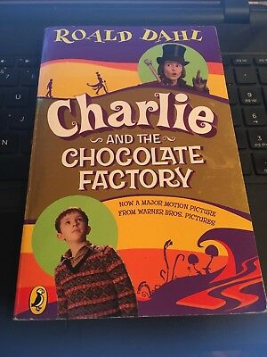 Charlie and the Chocolate Factory, Roald Dahl, 2005 Paperback Johnny Depp