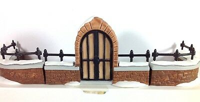 Dept. 56 Heritage Dickens Village 3 Piece CHURCHYARD GATE AND FENCE IN BOX 58068