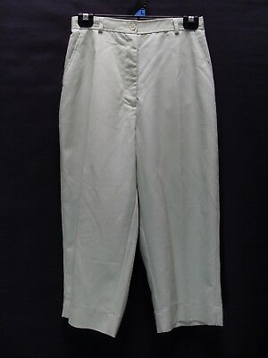 1980's Vintage 3/4 Length High Waisted Pants with Elastic Sides at the Waist.