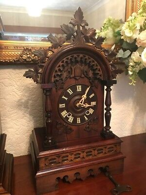 BLACK FOREST BRACKET CUCKOO CLOCK Made by Gordiun Hettich Sohne c1800.