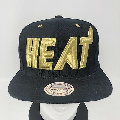 buy popular 65fdd 59c44 Mitchell   Ness MIAMI HEAT Men s HWC Snapback Hat Cap Adjustable Black Gold