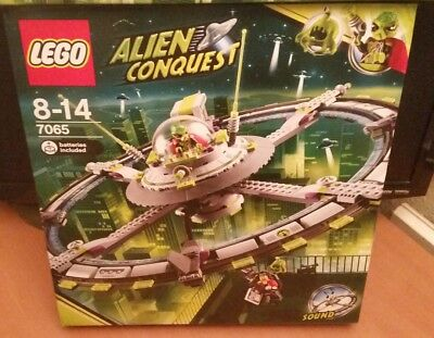 LEGO Alien Conquest / 7065 Alien Mothership / BNIB NEW SEALED RARE / FREE P&P