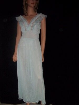 Vintage Nightgown Luxite by Kayser 100% Nylon Size 34 Lace Trim Puckered Trim