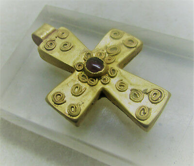 Scarce Byzantine Era Gold Crusaders Cross Amulet With Garnet Inset