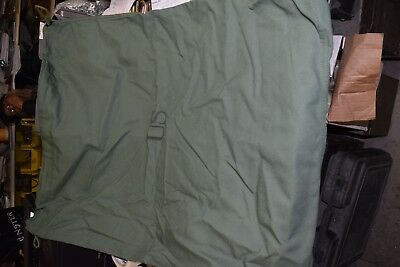 New Genuine US Army issue Military Barracks Laundry Clothes Bag - Green