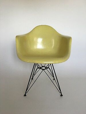 All original Eames Herman Miller Fiberglass Dining Chair 1960ties