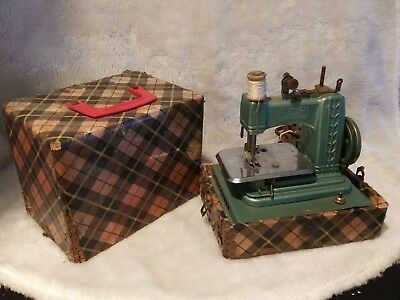 Vintage 1950 Betsy Ross Miniature Child's Toy Electric Sewing Machine Red Case