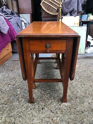 solid,drop leaf,mahogany,dining table,square legs,table,kitchen,antique