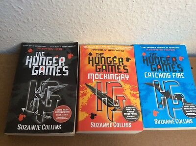The Hunger Games Trilogy Box Set by Suzanne Collins (Paperback, 2011)
