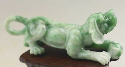 Chinese old natural green jadite hand-carved dushan jade dog statue pendant