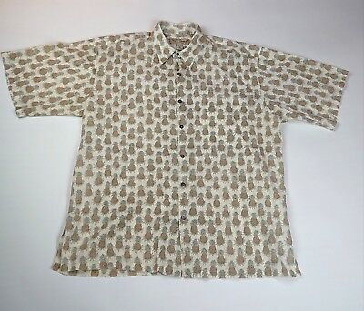 Vintage Tori Richard Honolulu Mens size Large Pineapple Pattern Button up