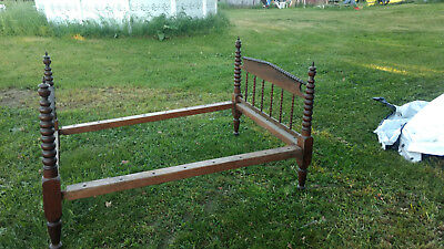 Antique Spindle Spoole Rope Bed Ball Turned