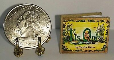 1:12 SCALE MINIATURE BOOK THE CHRISTMAS CAT TASHA TUDOR DOLLHOUSE
