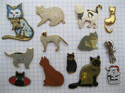 Lot de 13 pin's  CHAT