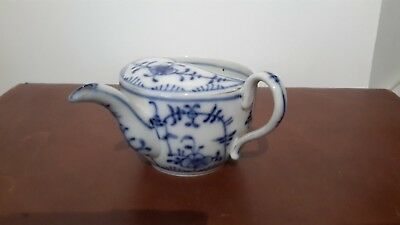 An antique onion pattern porcelain pap boat with T mark to base