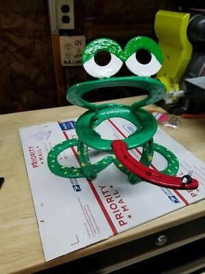Metal Art Hand Made & Painted Welded Horseshoe Lucky Frog Lawn/garden Ornament