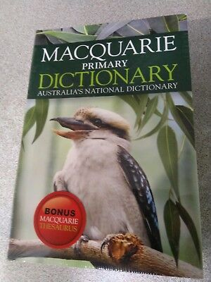 Macquarie Primary Dictionary and Thesaurus packaged together