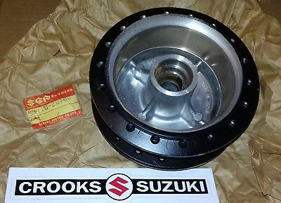 NOS 54110-20300 Genuine Suzuki RM80 Front Wheel Hub