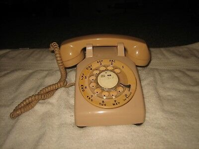 Vintage 1960's Tan Rotary Dial Desk Bell System Western Electric 500Dm Telephone