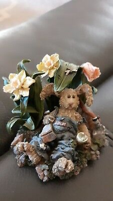 """Boyds Bears & Friends The Wee Folkstone Collection""""I do most of my work sitting."""
