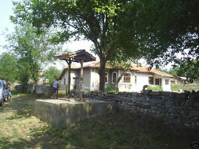 Cheap Bulgarian House with barn 58 km 2 the sea 4635 sqm land the sea