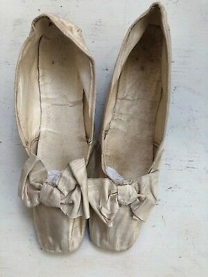 Pair Of Authentic Vintage AntIque Edwardian Ivory Silk Wedding Shoes