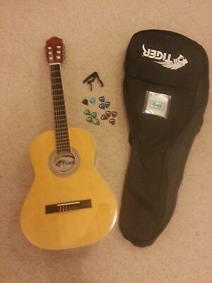 Tiger Classical Guitar 3/4 Excellent Condition