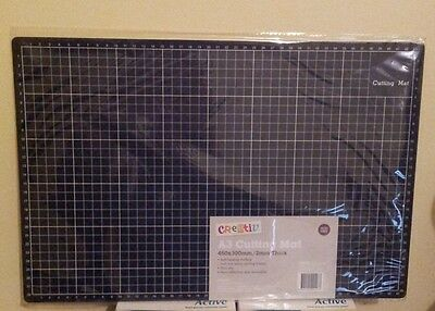 Cutting Mat For Arts & Craft Cutting  A3 Size  Self-Healing W/ Grid  Brand New
