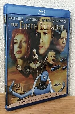 THE FIFTH ELEMENT (Blu-Ray, 2007) FOIL-EMBOSSED COVER ART REGION FREE FLAWLESS!