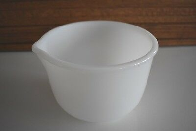 Glasbake for Sunbeam 1.5 Qt. / 6 Cup Milk Glass Mixing Bowl w/ Pour Spout