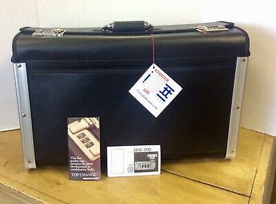 NWT PLATT LOCKING CATALOG CASE, New with tags, Black # HT321I / briefcase